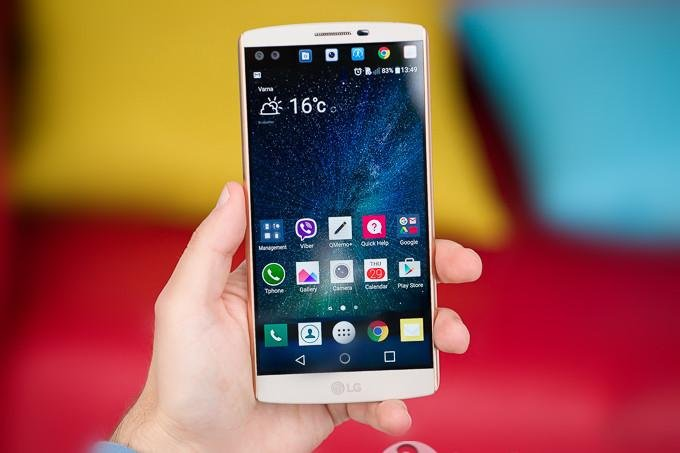 LG V10 smartphone - frontal sub screen smartphone - LG smartphone - 1