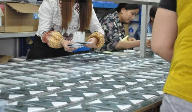 glass screen protectors - production processes of screen protector - mobile phone accessories -  (11)