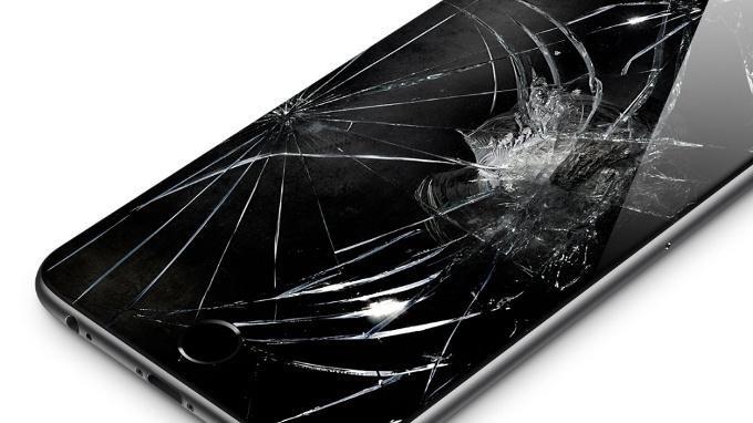cracked iphone 7 - iphone - apple iphone - 1
